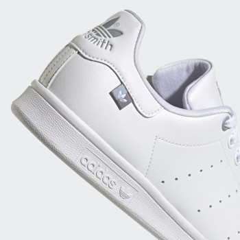 CHAUSSURES ADIDAS STAN...